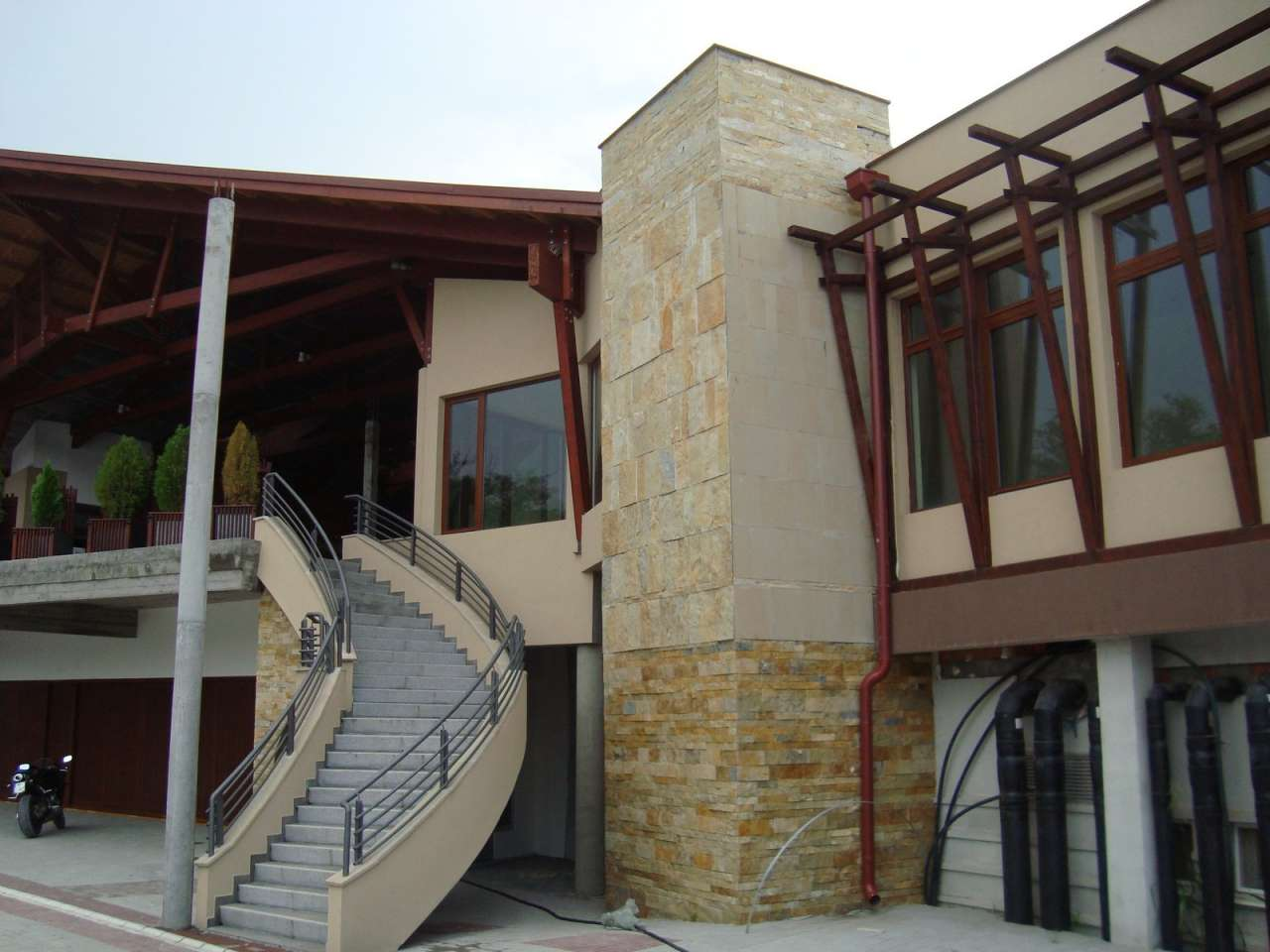 Dekoracije prirodnim kamenom-hotel (10)