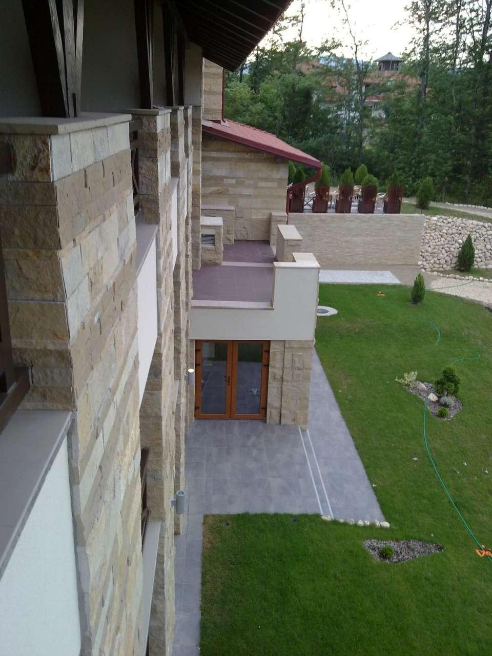 Dekoracije prirodnim kamenom-hotel (3)