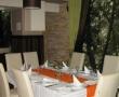 Enterijer restorana uredjen sa kamenom (7)