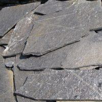 plavi lomljeni kamen